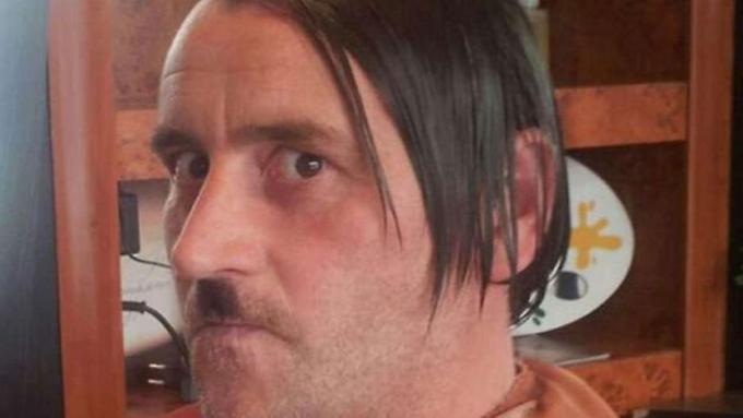 Datei:Lutz Bachmann als Hitler.jpg