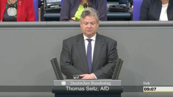 Datei:Thomas Seitz - Schweigeminute fuer Susanne Feldmann im deutschen Bundestag.jpg