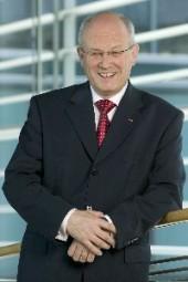 Volker Kauder.jpg