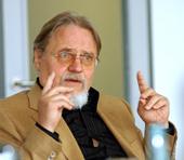 Wolfgang Koschnick.jpg