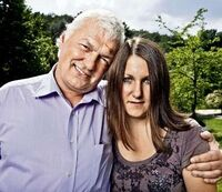Horst Arnold mit Tochter.jpg